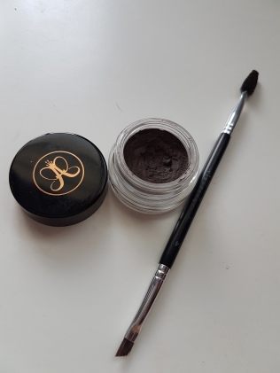 I use this with the ABH #14 brush.