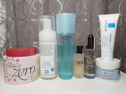 A collection of products from my old routine. I used this to treat my eczema which hit me for the first time last year.
